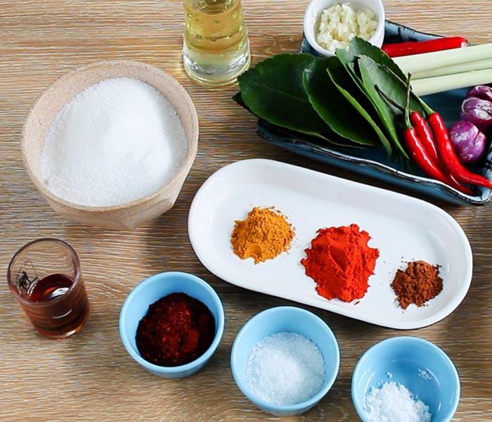 Các nguyên liệu cơ bản cho món ruốc gà cay